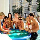 Casino Dresscode voor het Caesars Palace: zwembroek of bikini?